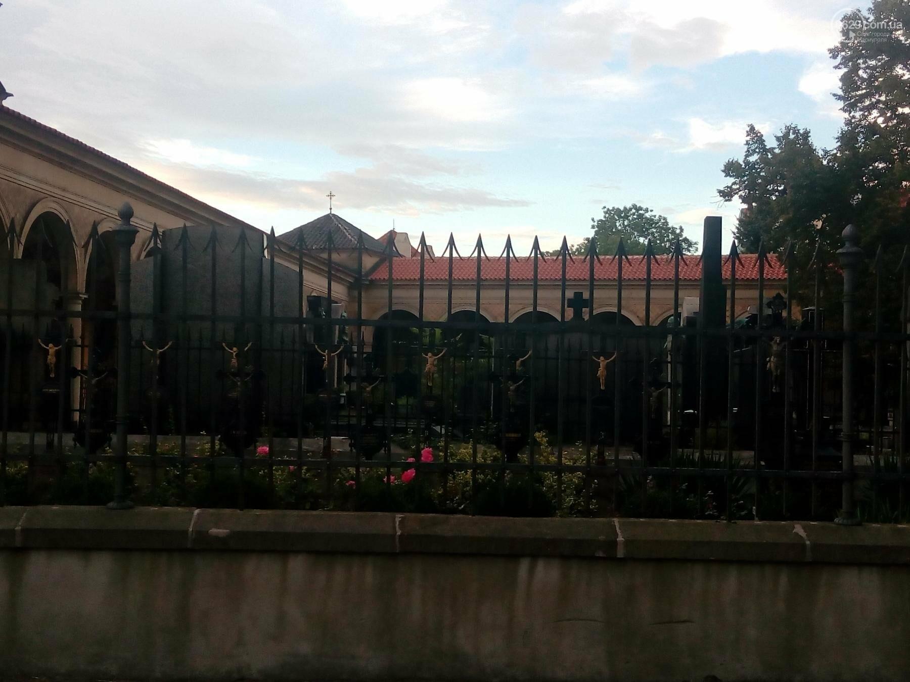Город красных крыш. Как мариупольцам добраться в Прагу, что посмотреть, и сколько для этого нужно денег (ФОТО), фото-24