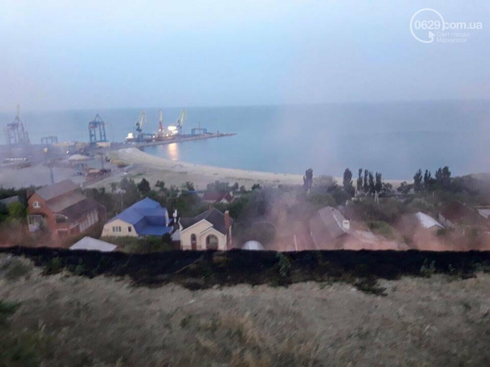 В  Мариуполе подростки ради  баловства решили поджечь траву в поселке Моряков (ФОТО) , фото-2