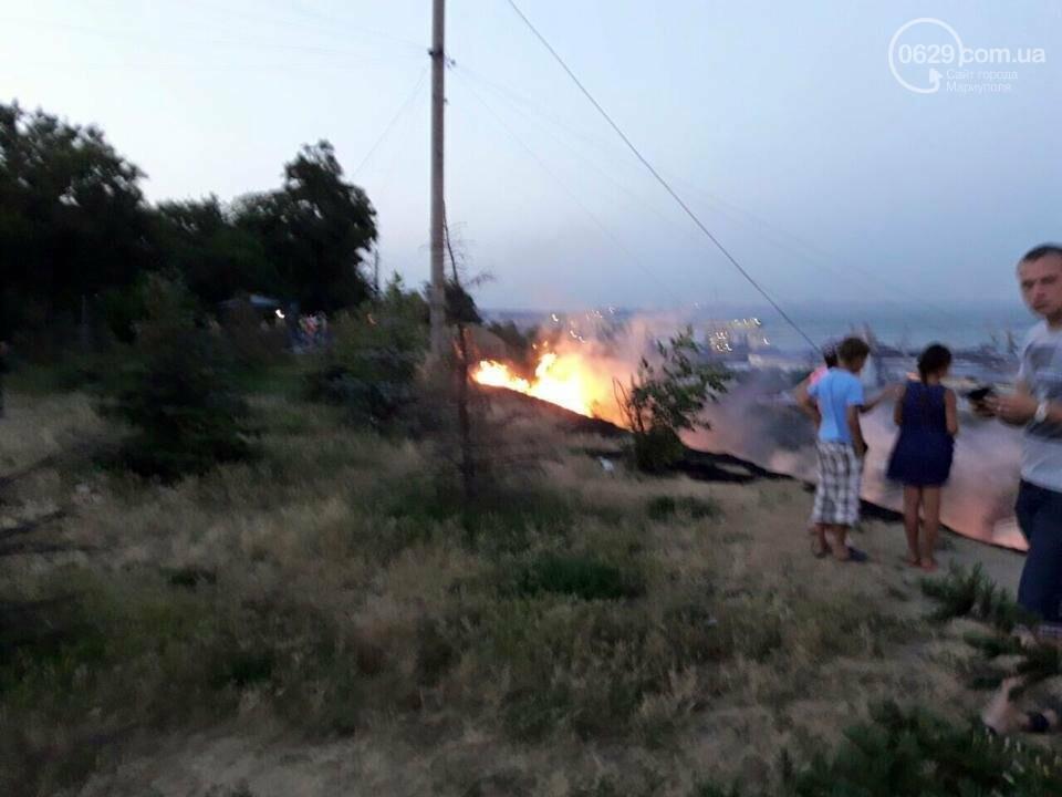 В  Мариуполе подростки ради  баловства решили поджечь траву в поселке Моряков (ФОТО) , фото-5
