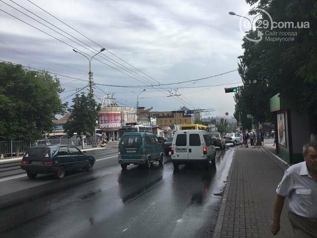 В Мариуполе питьевая вода заливала проспект Металлургов (ФОТО), фото-2