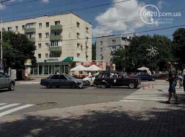 В центре Мариуполя пассажирка  автомобиля Mazda разбила голову (ФОТО), фото-4