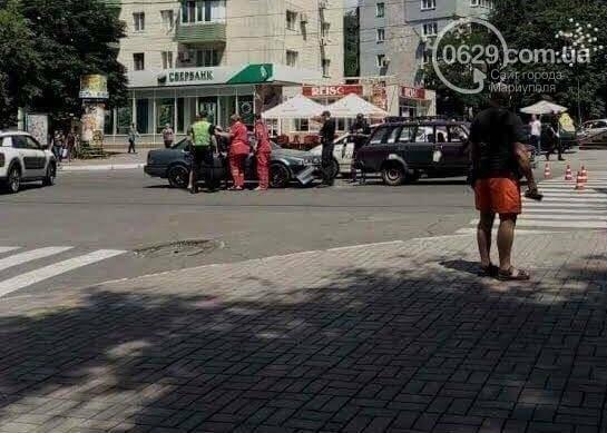 В центре Мариуполя пассажирка  автомобиля Mazda разбила голову (ФОТО), фото-3