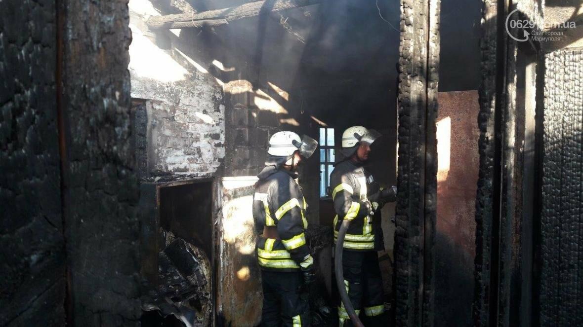 В Мариуполе сгорел жилой дом (ФОТО), фото-1
