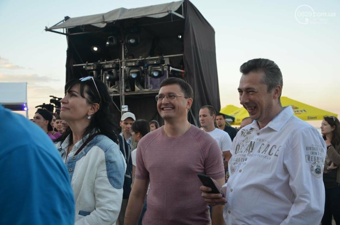 Молодежный фестиваль в Мариуполе: три сцены, море и яркие артисты (ВИДЕО+ФОТО), фото-3