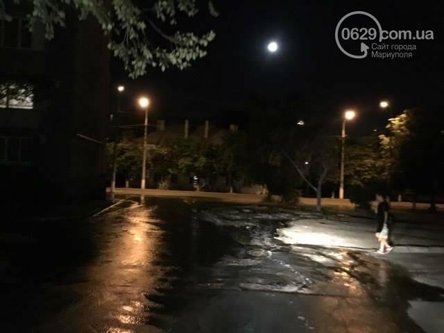 В Мариуполе питьевая вода затопила пр. Лунина (ФОТО+ВИДЕО), фото-4