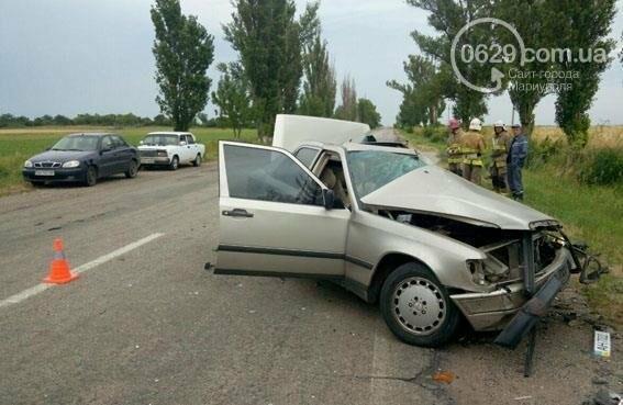 В страшной аварии под Мариуполем погибло два человека. Один в тяжелом состоянии (ФОТО), фото-2