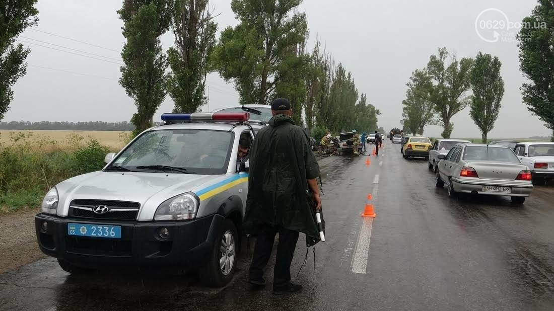 В страшной аварии под Мариуполем погибло два человека. Один в тяжелом состоянии (ФОТО), фото-10