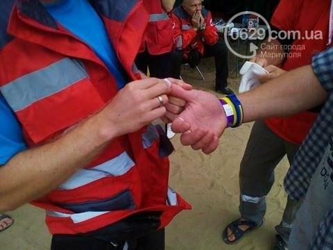 Из кафе на Песчаном в разгар фестивального веселья выпал 21-летний парень, фото-3