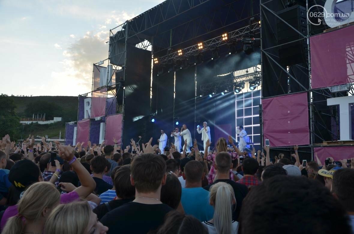 """В Мариуполе популярные музыканты """"зажигали"""" танцпол и """"качали"""" толпу на пляжном фестивале (ВИДЕО+ФОТО), фото-2"""