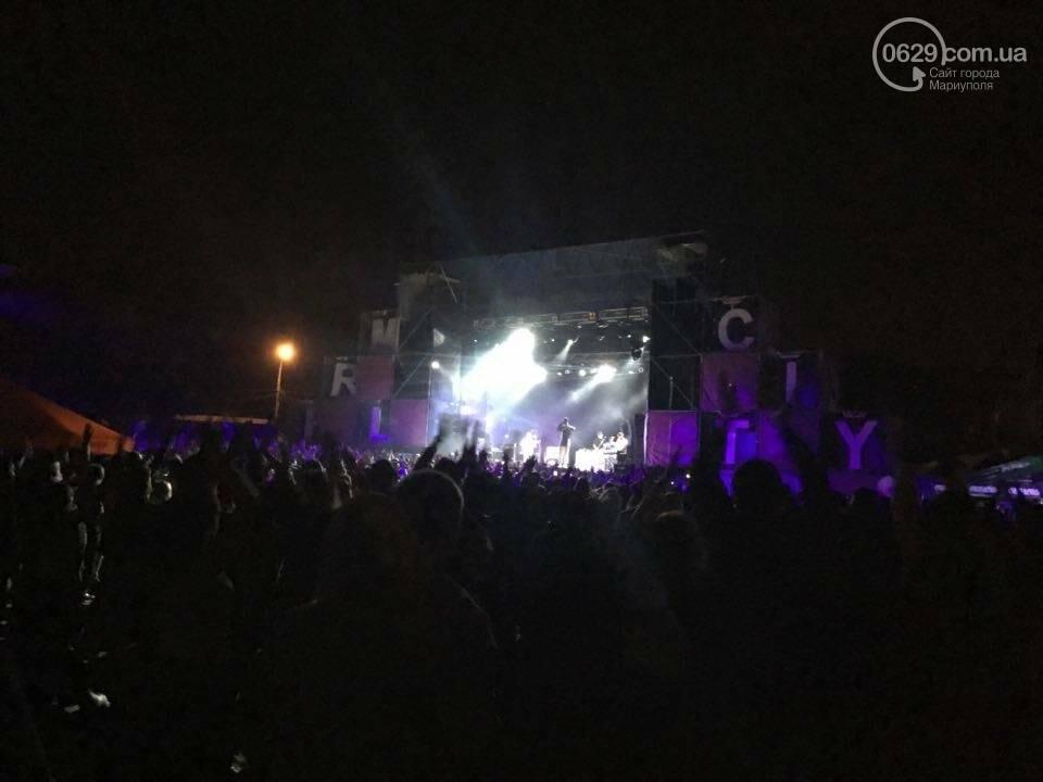 """В Мариуполе популярные музыканты """"зажигали"""" танцпол и """"качали"""" толпу на пляжном фестивале (ВИДЕО+ФОТО), фото-11"""