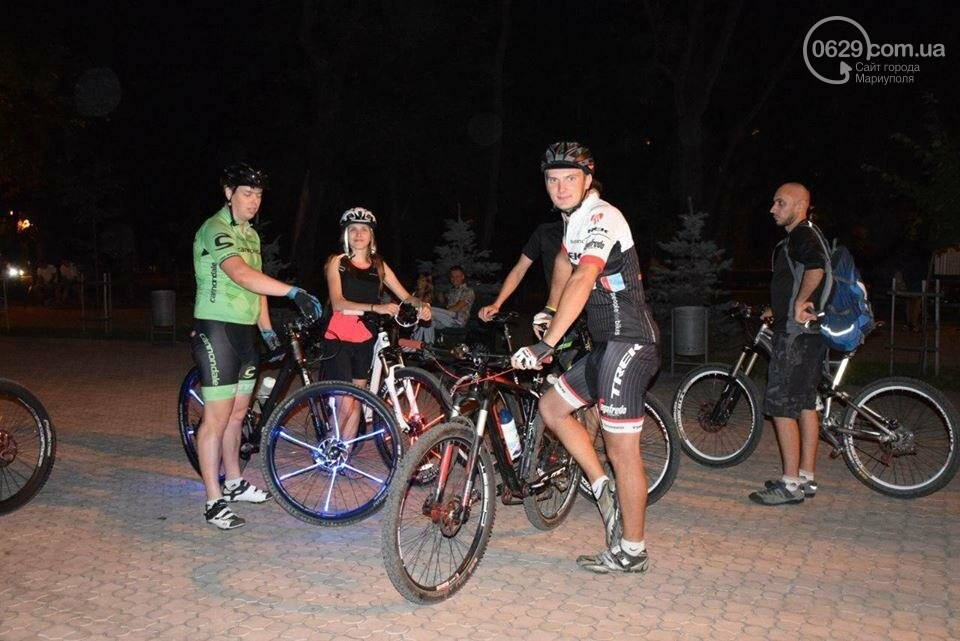 Мариупольские велосипедисты провели ночной заезд, чтобы их заметили(ФОТО), фото-1