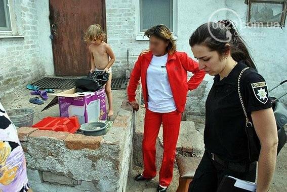 В поселке около Мариуполя пьющую мать  хотят лишить родительских прав (ФОТО), фото-1