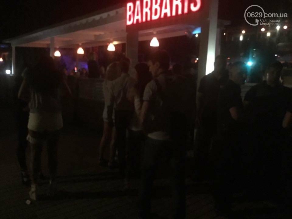 "В Мариуполе стреляли возле ночного клуба ""Барбарис"". Ранен мужчина (ВИДЕО), фото-2"