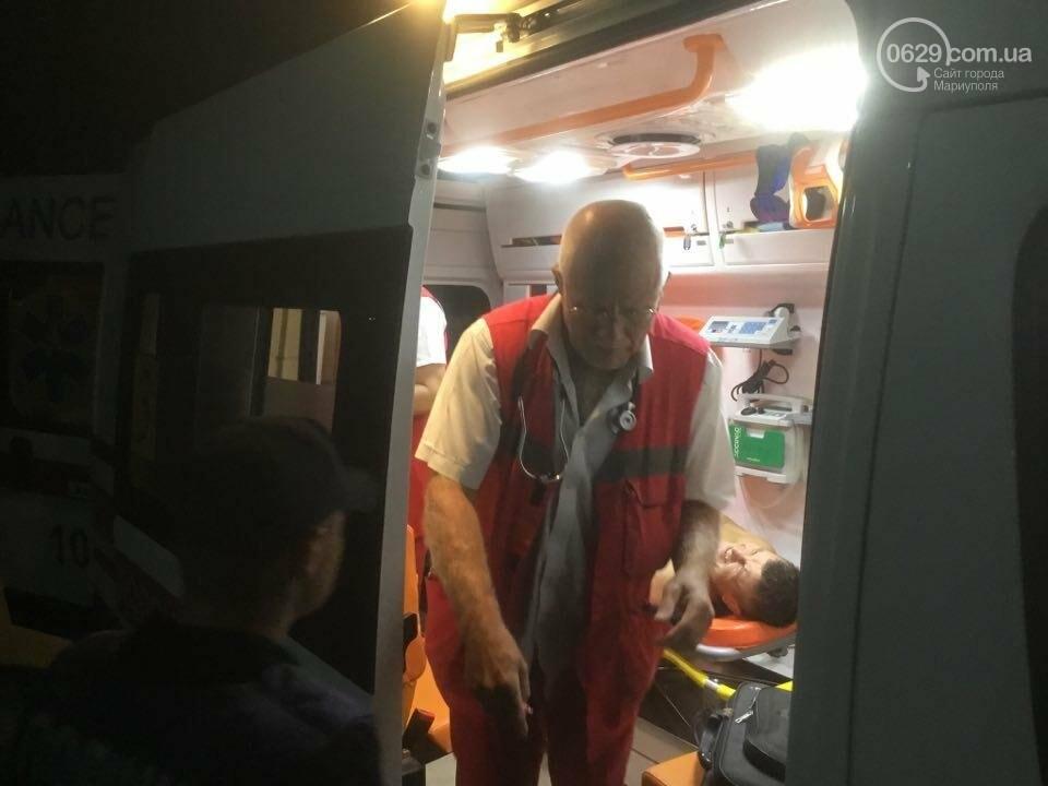 "В Мариуполе стреляли возле ночного клуба ""Барбарис"". Ранен мужчина (ВИДЕО), фото-7"