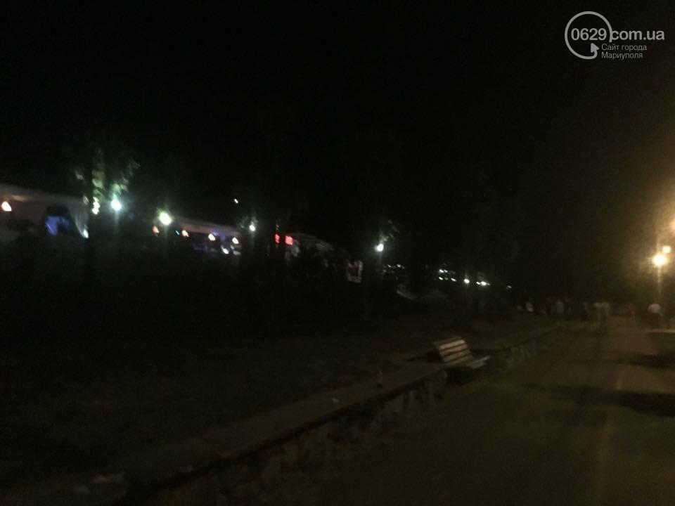 "В Мариуполе стреляли возле ночного клуба ""Барбарис"". Ранен мужчина (ВИДЕО), фото-4"