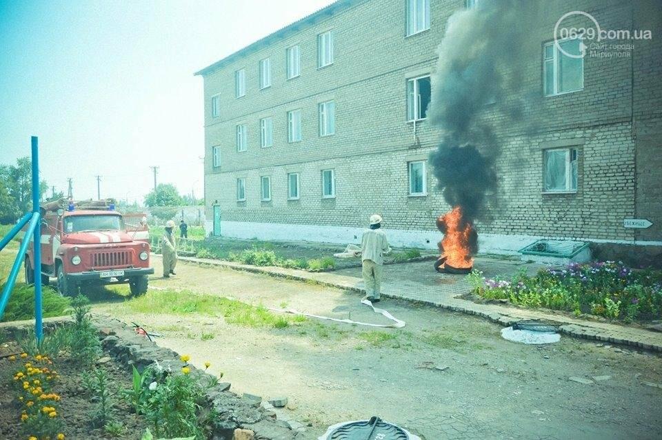 В Мариуполе осужденные женщины боролись с огнем (ФОТО), фото-18