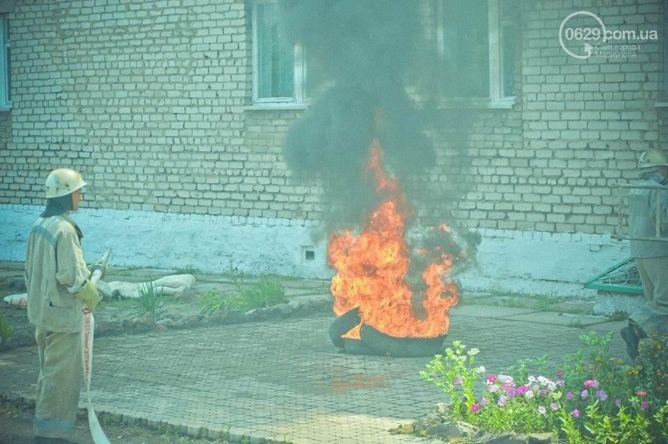 В Мариуполе осужденные женщины боролись с огнем (ФОТО), фото-5