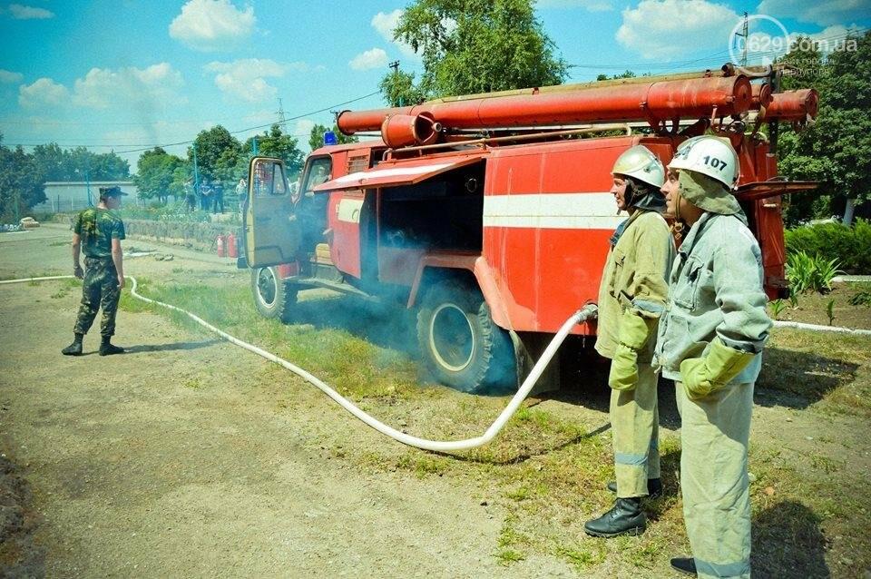 В Мариуполе осужденные женщины боролись с огнем (ФОТО), фото-12