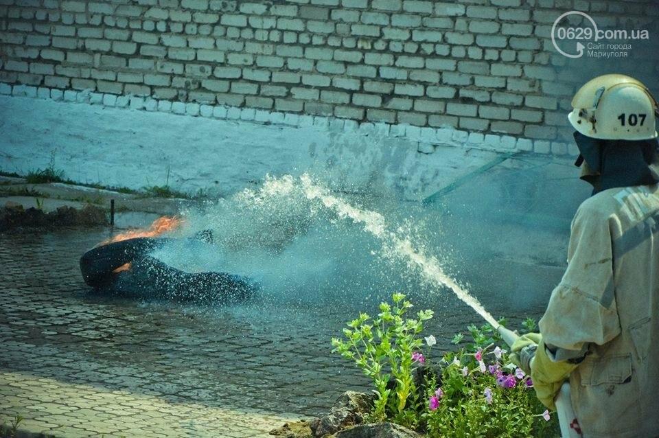 В Мариуполе осужденные женщины боролись с огнем (ФОТО), фото-2