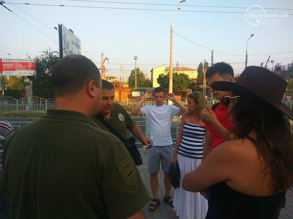В Мариуполе сотрудники полиции отпустили виновника драки (ФОТО), фото-1