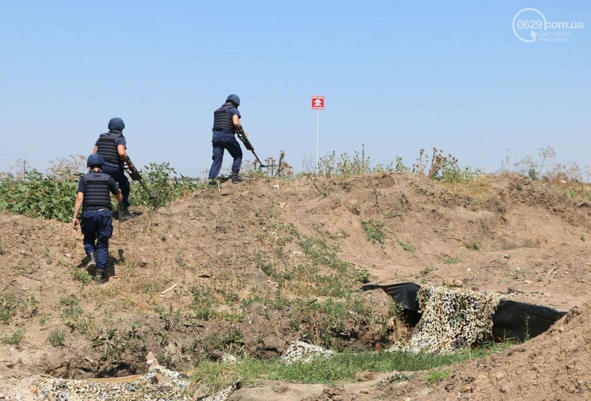 На КПВВ вблизи Мариуполя нашли гранату (ФОТО), фото-2