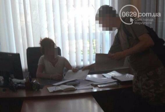 Сотрудницу налоговой инспекции в Мариуполе арестовали за взятку в 100 тысяч гривен, фото-1