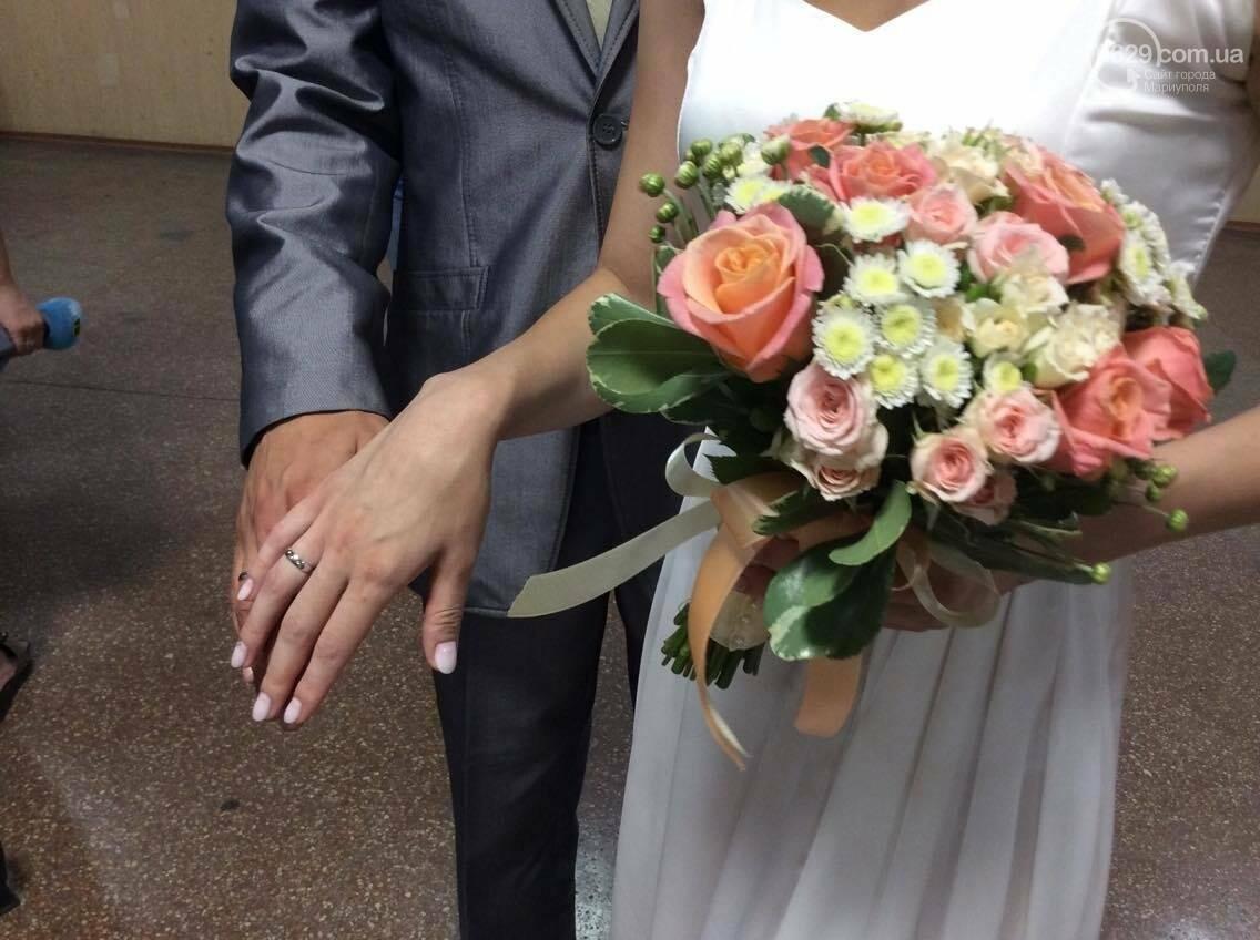 Мариуполь бьет все рекорды по  количеству заключенных  экспресс-браков(ФОТО), фото-2
