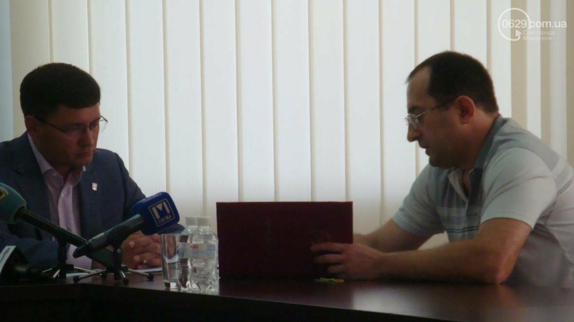 Мариупольский городской голова проявлял чудеса убеждения на личном приеме (ФОТО), фото-1