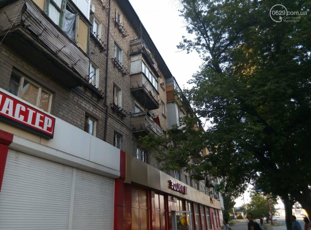 В Мариуполе спасли двухлетнюю девочку, застрявшую на балконе (ФОТО), фото-2
