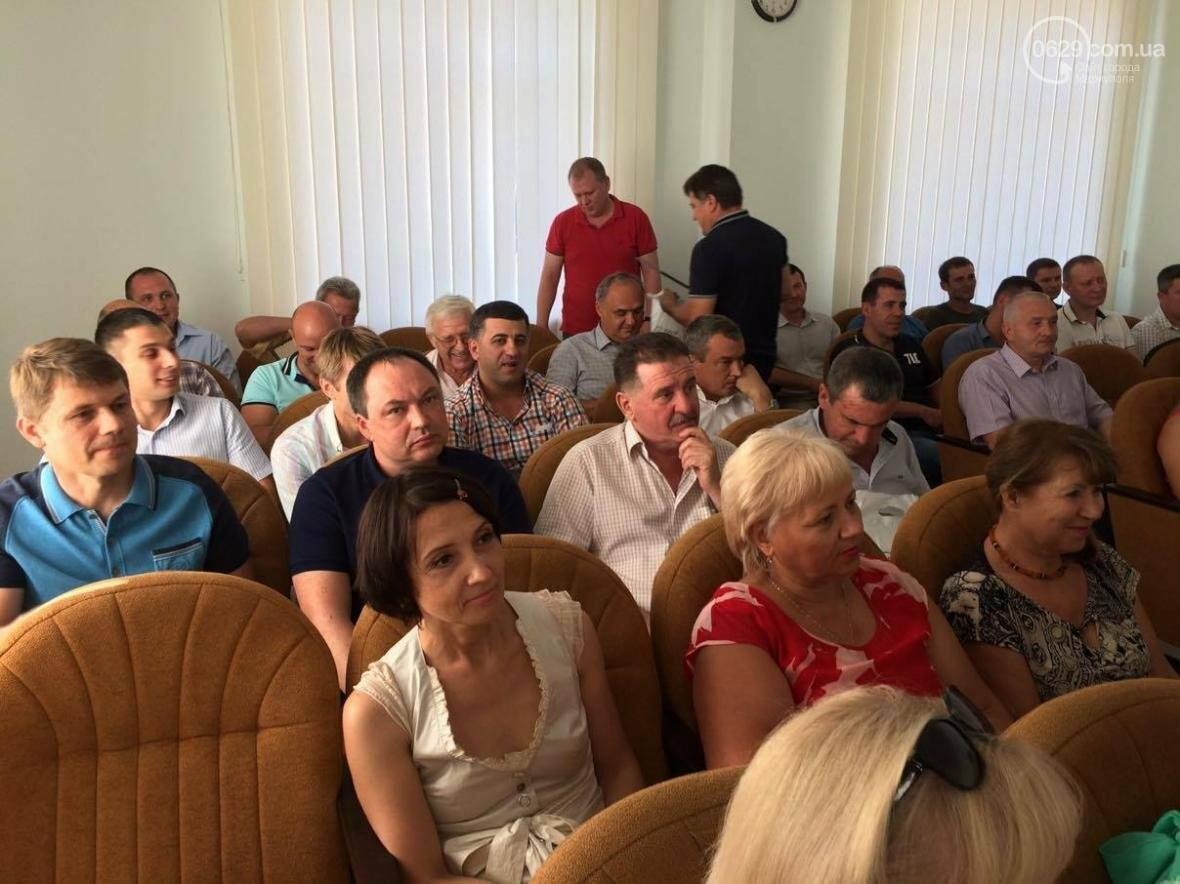 Мариупольские строители хотят получать минимум 12 тысяч гривен (ФОТО, ВИДЕО), фото-1