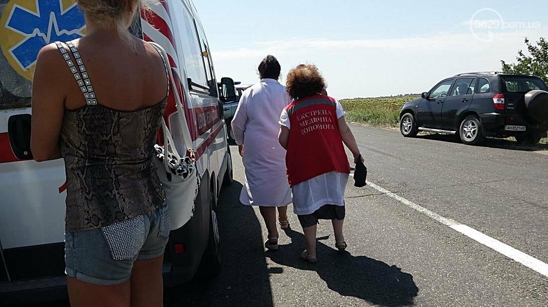 На въезде в Мариуполь столкнулись 5 автомобилей. Есть пострадавшие (ФОТО), фото-14