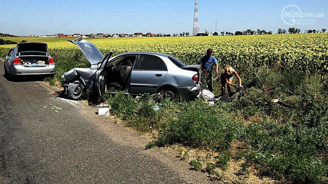 На въезде в Мариуполь столкнулись 5 автомобилей. Есть пострадавшие (ФОТО), фото-25