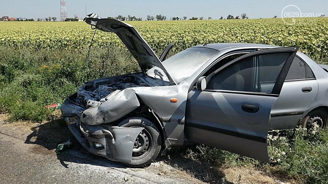 На въезде в Мариуполь столкнулись 5 автомобилей. Есть пострадавшие (ФОТО), фото-5