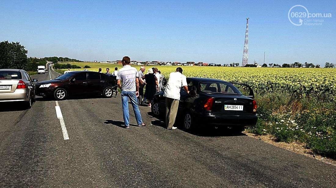 На въезде в Мариуполь столкнулись 5 автомобилей. Есть пострадавшие (ФОТО), фото-4