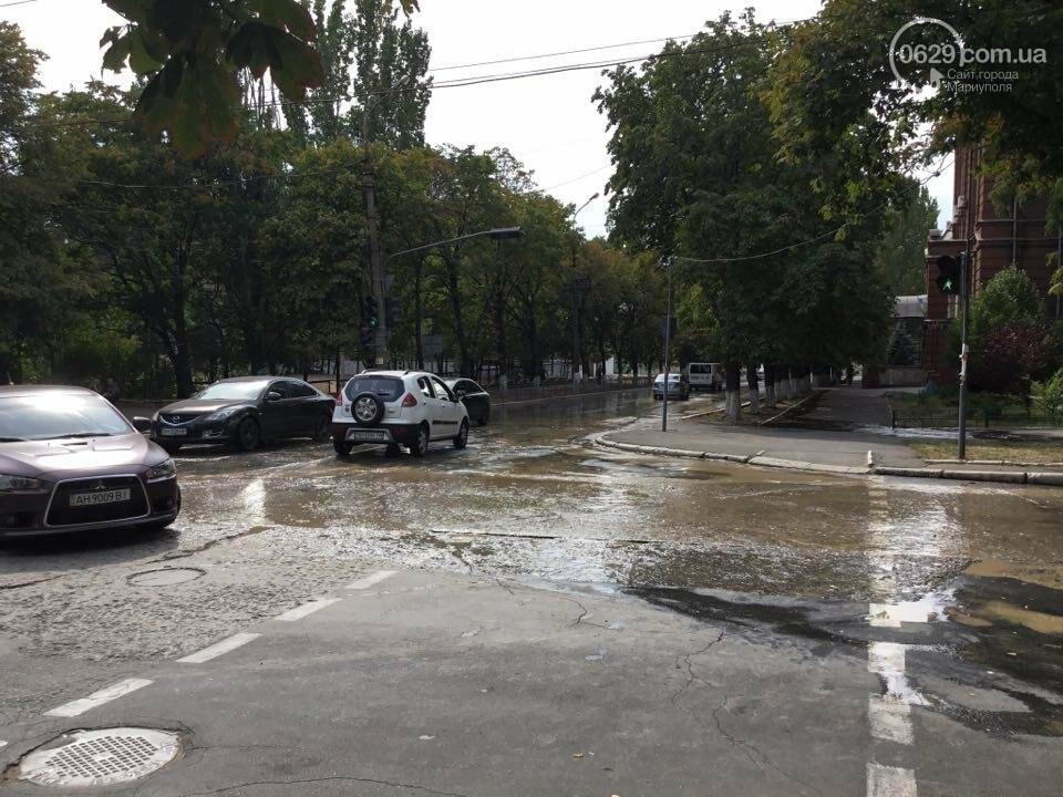 В Мариуполе канализационные стоки затопили пр. Металлуров (ФОТО+ВИДЕО), фото-6