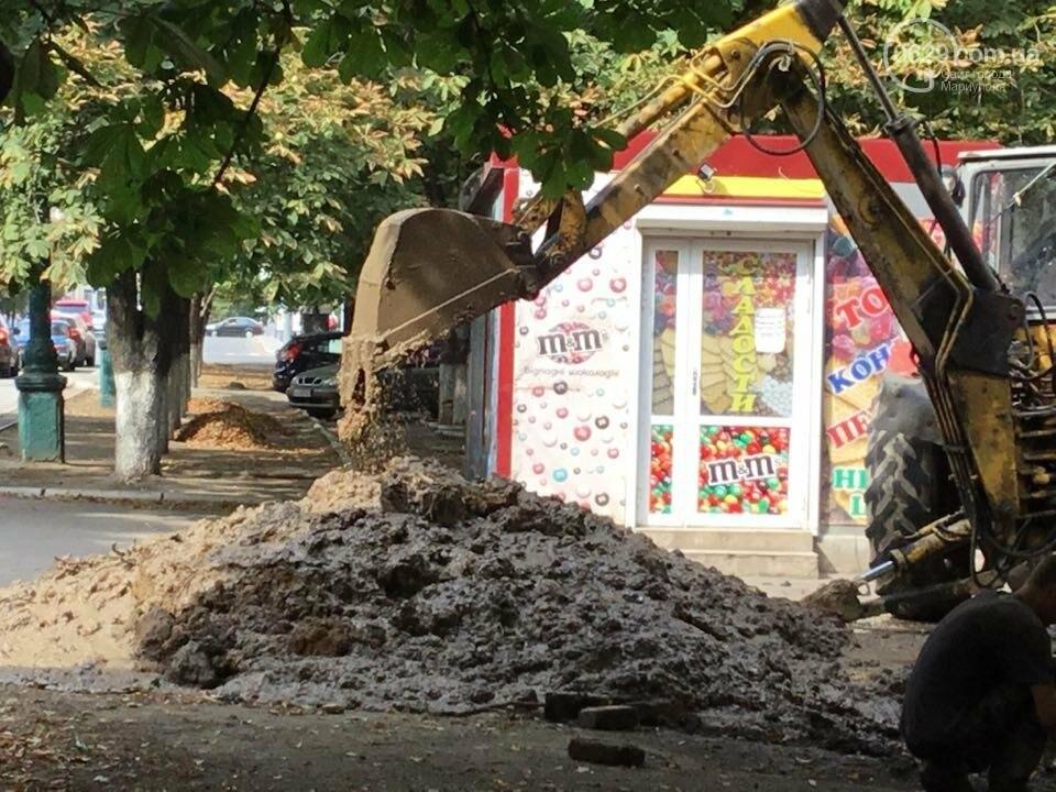 В Мариуполе канализационные стоки затопили пр. Металлуров (ФОТО+ВИДЕО), фото-9