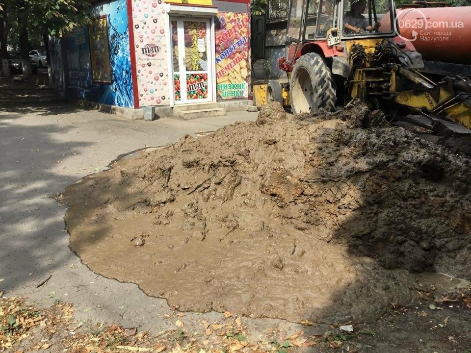 В Мариуполе канализационные стоки затопили пр. Металлуров (ФОТО+ВИДЕО), фото-11