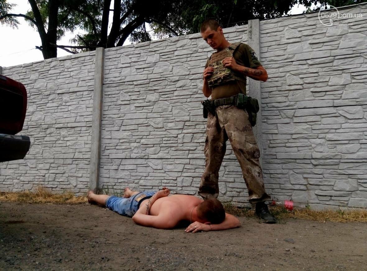 """""""Валите в свою Франковщину!"""" На блокпосту Мариуполя местные жители грубили бойцам АТО, фото-1"""