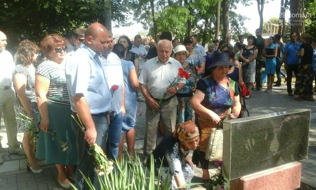 В Сартане прошел митинг-реквием в память о погибших от обстрела, фото-1