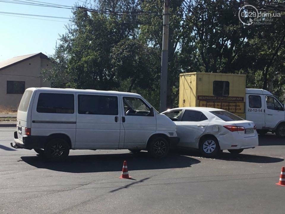 """В Мариуполе """"Тойота"""" столкнулась с микроавтобусом. Есть пострадавший (ФОТО+ВИДЕО), фото-7"""