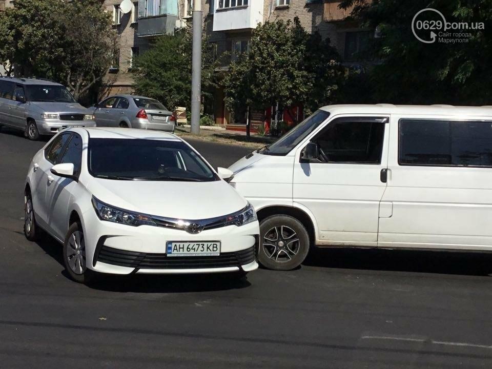 """В Мариуполе """"Тойота"""" столкнулась с микроавтобусом. Есть пострадавший (ФОТО+ВИДЕО), фото-6"""