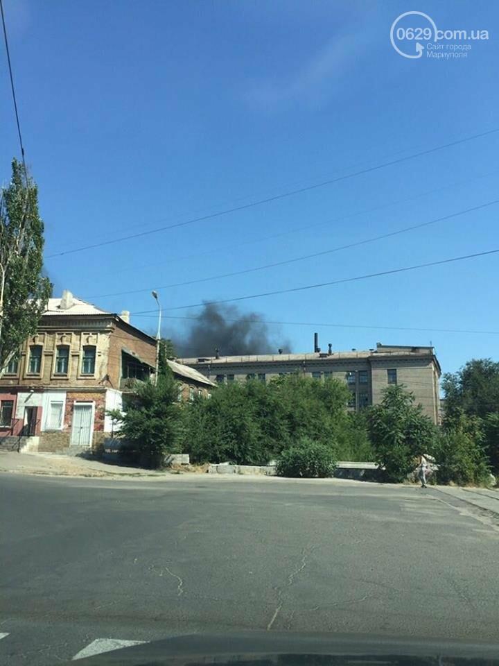 Черный дым в Мариуполе: горит склад по производству пенопласта (ФОТО), фото-8