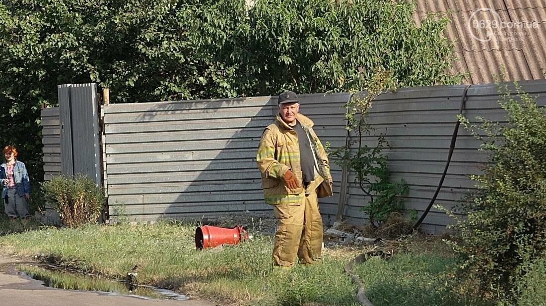 В Кальмиусском районе Мариуполя сгорел дом (ФОТО), фото-11