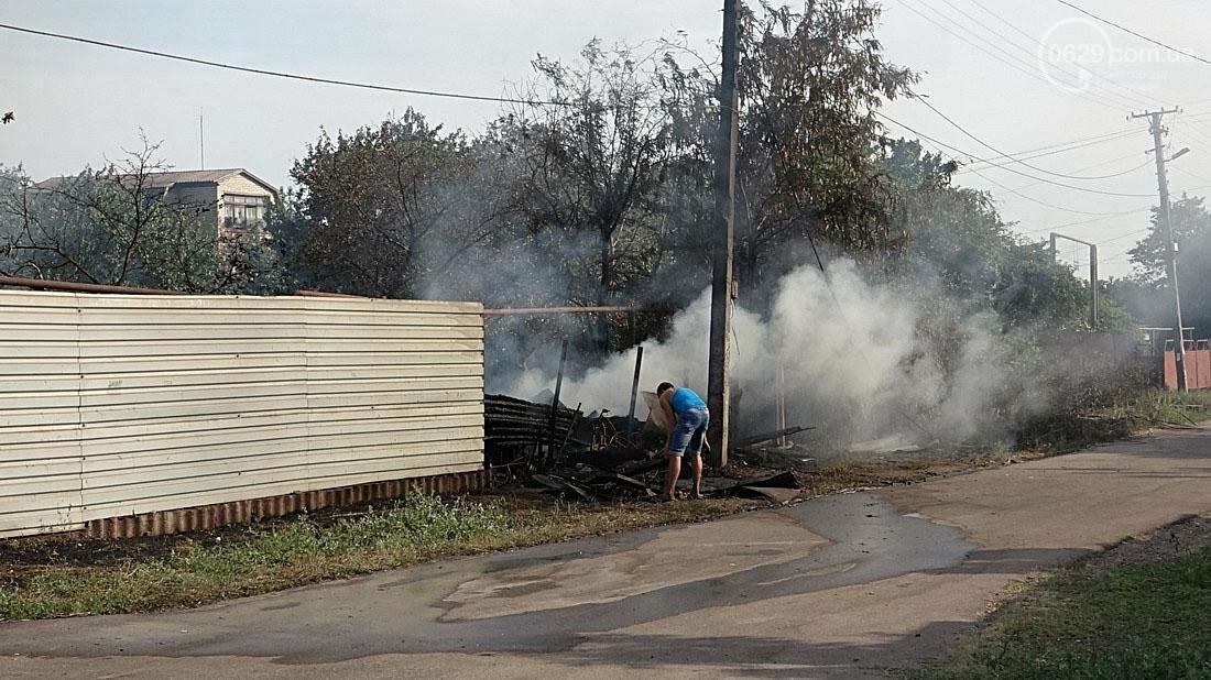 В Кальмиусском районе Мариуполя сгорел дом (ФОТО), фото-2