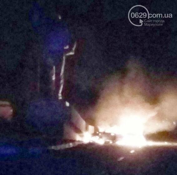 """Возле """"Сталевара"""" на въезде в Мариуполь сгорел автомобиль (ФОТО), фото-1"""