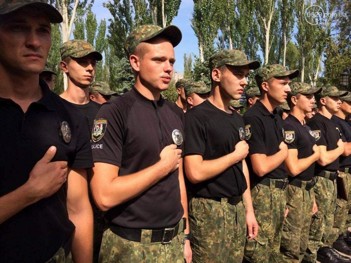 Выпусники полицейской  академии из Луганской области приняли присягу в  Мариуполе (ФОТО, ВИДЕО), фото-5