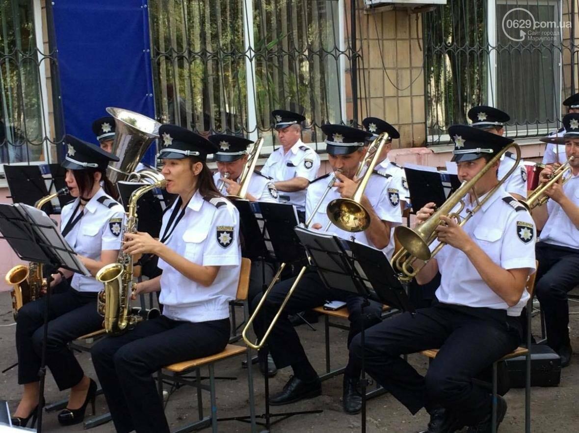 Выпусники полицейской  академии из Луганской области приняли присягу в  Мариуполе (ФОТО, ВИДЕО), фото-8