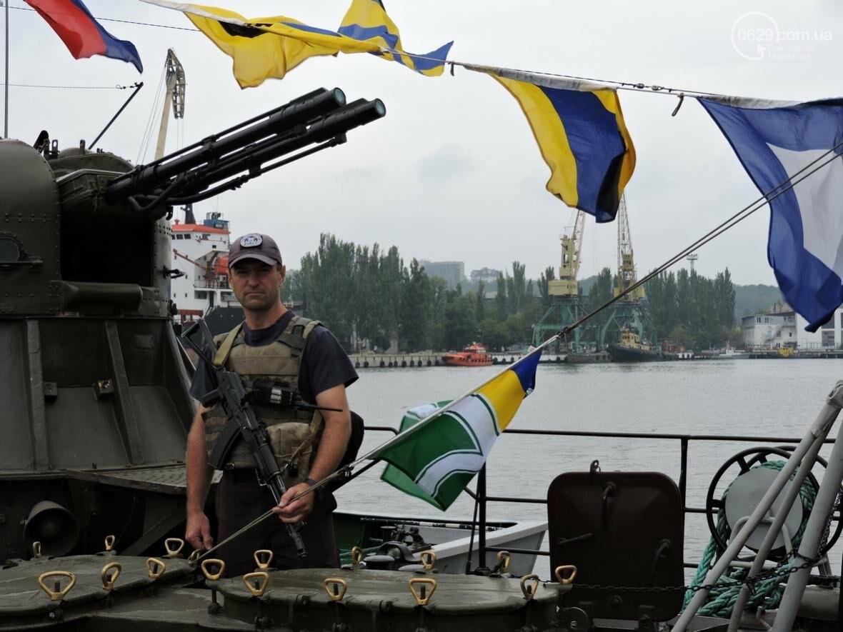 """""""Морские котики"""" подняли флаг Украины на всех катерах в Мариуполе (ФОТО), фото-2"""