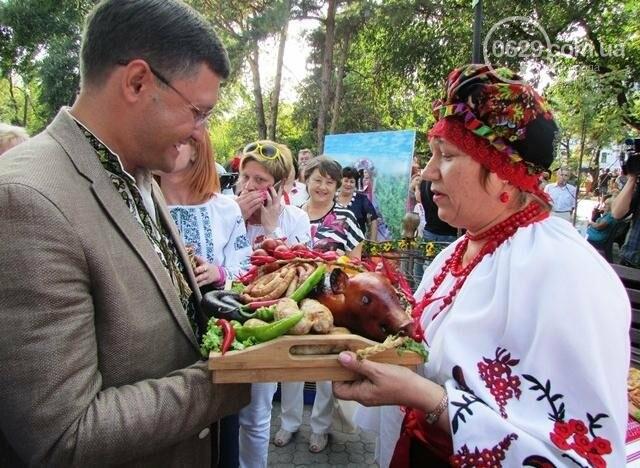 Мэр Мариуполя попробовал блюда украинской кухни (ФОТО), фото-2
