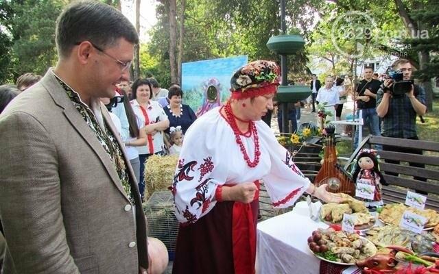 Мэр Мариуполя попробовал блюда украинской кухни (ФОТО), фото-4